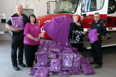 CD_Bipper_blankets_donation_for+use_by_the_Middlesex_FD
